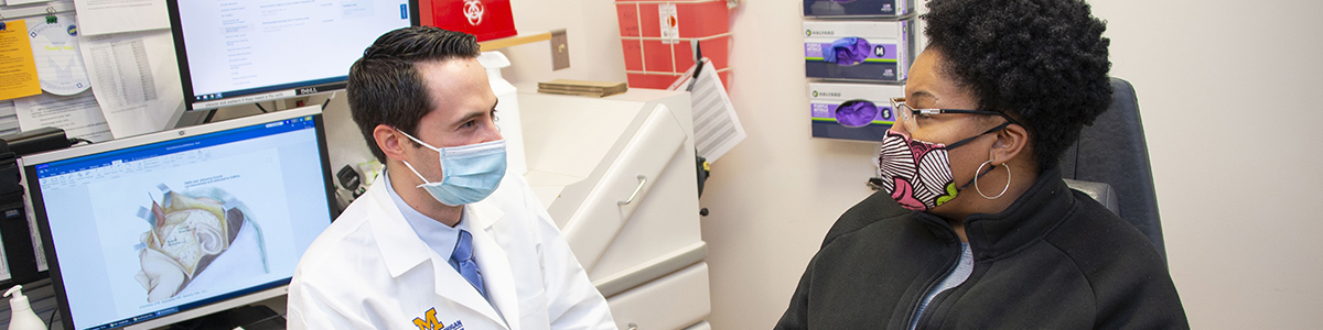 Patient and doctor in the Facial Nerve Clinic