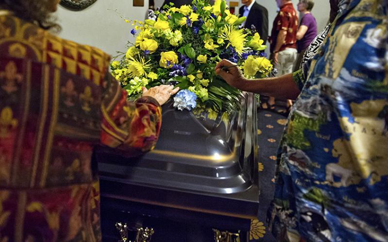 Memorial casket