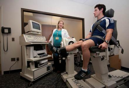 Functional knee strength testing at the U-M Health System's MedmSport facility