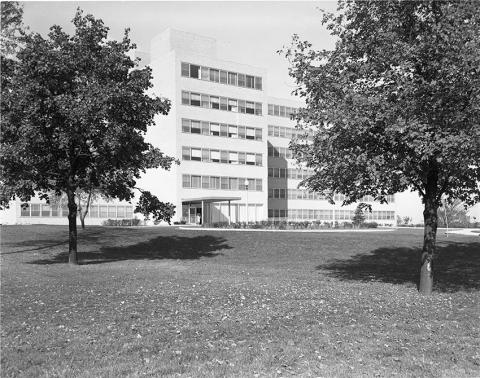 1952 outpatient clinic