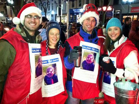 Medical students spread holiday cheer and support Washtenaw County youth charities
